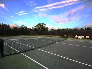 Glenbrook Resort villa photo - Community tennis court