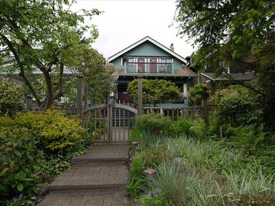 Welcome to Kitsilano Cottage!
