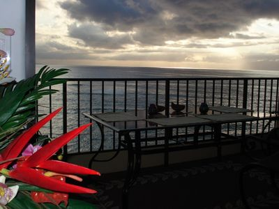 Stunning panoramic views of the islands of Molokai and Lanai.