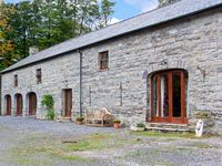 THE GRANARY, family friendly, with a garden in Narberth, Ref 28947