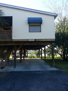 Homosassa cabin rental - Parking area underneath the unit