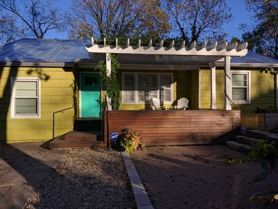 Luxury Mid-Century Home Close to Campus and Downtown