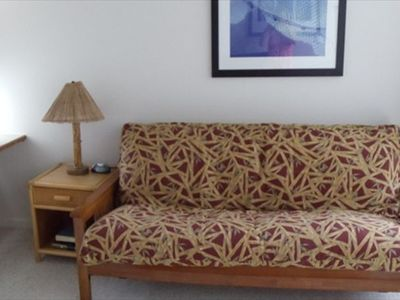 Kailua Kona condo rental - Downstairs bedrooom with a flat screen TV & Futon - this functions as the bed
