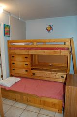 Sunnyside house photo - 4th bedroom with trundle bed. 2 twins
