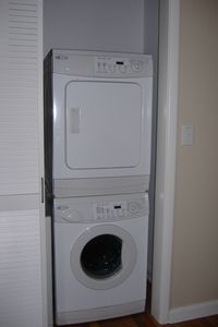 Maytag apartment sized washer/dryer