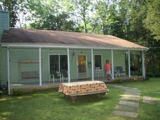 Lebanon cabin photo - Families love the big front porch and front yard