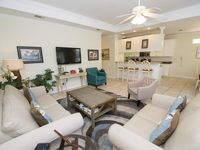 Vacation Home In Miramar Beach ~ Community Pool, Tennis & Basketball Courts!