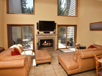 On the river,1 mile to slopes, common area pool & hot tub, shuttle LOW RATES