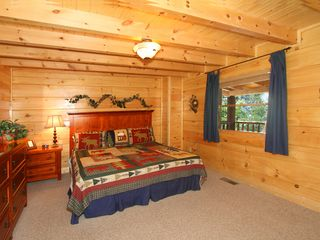 Pigeon Forge cabin photo - Master bedroom #2 with king bed and full bathroom
