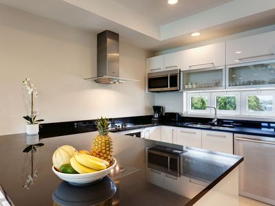 Fully equipped kitchen with toaster