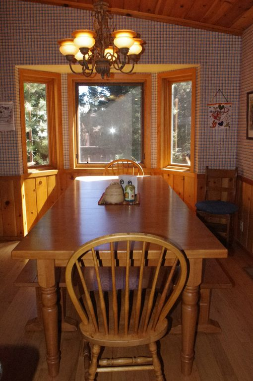 Dining Room table can easily accommodate seating for ten