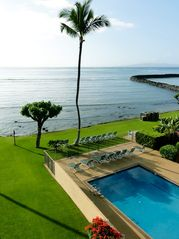 Maalaea condo photo - Enjoy serenity and gorgeous scenery poolside or on the lawn.