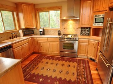 Kitchen - Kitchen with stainless appliances