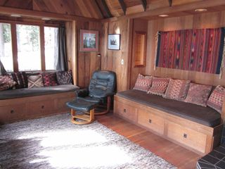 Carnelian Bay cabin photo - Lakeside living room with daybeds