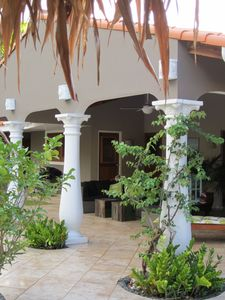 Aruba villa rental - Backyard porch