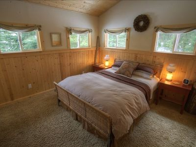 Bigfork cabin rental - QUEEN BED, VAULTED CEILINGS,