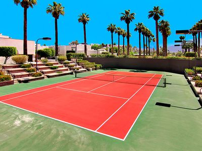 Palm Springs townhome rental - One of 3 Tennis Courts