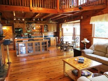 Mountain Lodge Realty Moonshine Ridge Kitchen and Dining Area from Living Room