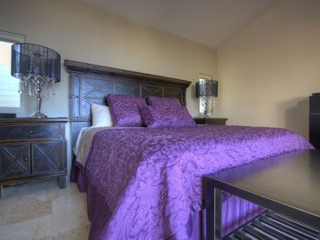 King size beds and luxury.
