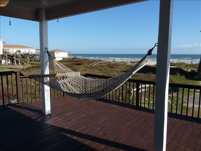Magnificent beach views from luxury beach vrbo for Beach house plans usa