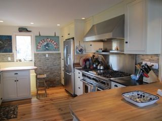 Marblehead cottage rental - Chef stove, 48', 6 burner, grill, 2 ovens, back booth, wood counters, spacious