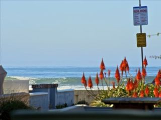 Mission Beach townhome photo - Sit down Whitewater and Boardwalk View from the front connected patio