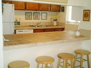 Kiawah Island villa photo - Updated kitchen w/bkfst bar+pass thru to Dining Rm