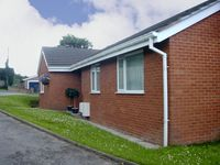 SEA VIEW, family friendly, with a garden in Old Colwyn, Ref 2937