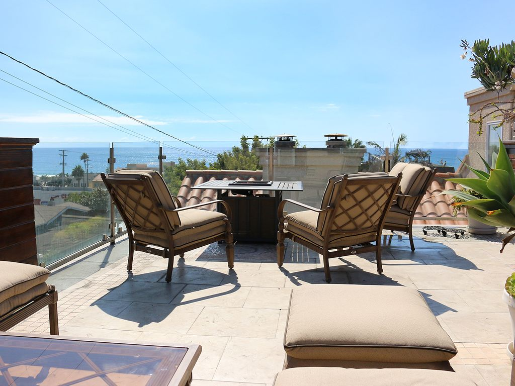 New hermosa beach house with view and rooftop deck steps for Beach house deck ideas