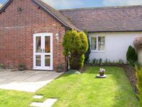 GRIST MILL COTTAGE, pet friendly in Fontmell Magna, Ref 918681