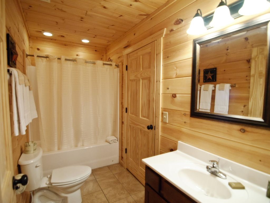Cabin inside bathroom - Property Image 7 Sundance Beautiful 2 Bedroom Cabin Inside Parkside Resort