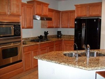 Florence house rental - Fully Equipped Kitchen with Granite Countertops