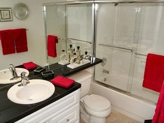 Maalaea condo photo - Elegant second full bathroom