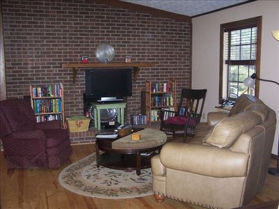 Read, relax or watch your flat screen TV. Nice library of DVDs and books