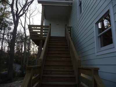 Exterior stairs, covered deck w open bench & private access to Mr BedR & Hot Tub