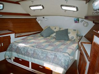 Key West yacht photo - Aft Stateroom, Wild Thing. Perfect for romantic getaway packages this summer.