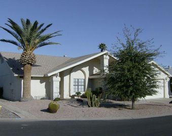 East Mesa house rental - Front of House with attached 2 car garage