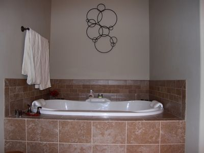 Columbia Falls house rental - Large double air tub in master bath
