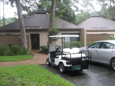 front entrance with golf cart