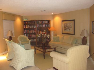 Vero Beach townhome rental - Clubhouse Library