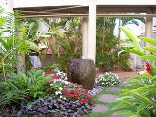 Lahaina condo photo - Many photo opportunities throughout the grounds