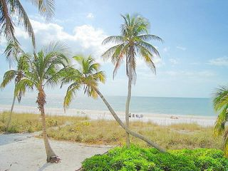 Fort Myers Beach cottage photo - Beautiful beach across the street