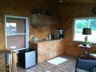 Bonnet Shores house photo - Wet bar in sunroom