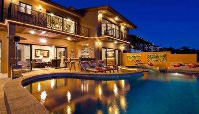 Casa Mega Point- 14 bd ocean view villa with jacuzzi and pool