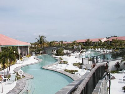 600' Lazy River Resort Pool