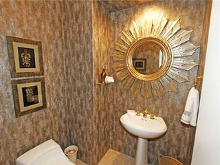 Indio house photo - Powder Room