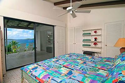 GP SeaView BR2  with Tropical Views of Palms Trees and Turquoise Blue Seas!