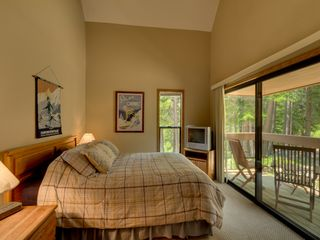 Carnelian Bay townhome photo - 3rd bedroom w/queen bed, TV and patio/balcony