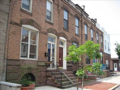 Beautiful Turn-of-the-Century Row House in South Philadelphia