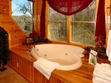 Gatlinburg cabin rental - Heart shape Jacuzzi tub in upstairs bedroom